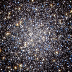 The core of the globular cluster Messier 13 is just 25 000 light-years away and measures about 145 light-years in diameter. It lies in the constellation Hercules and sometimes can even be seen with small binoculars. <div> <p> </p> </div>