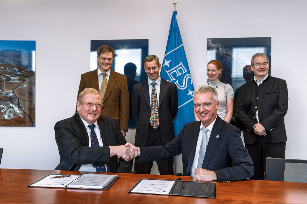 ESO has signed an agreement with a consortium of institutes across Europe led by the MPE, to design and construct the MICADO camera (Multi-AO Imaging Camera for Deep Observations), one of the first-light instruments for the European Extremely Large Telescope (E-ELT). MICADO will be the first dedicated imaging camera for the giant telescope and will take the power of adaptive optics to the next level.