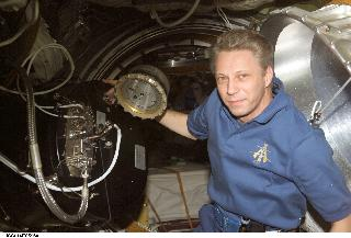 Thomas Reiter inside ISS